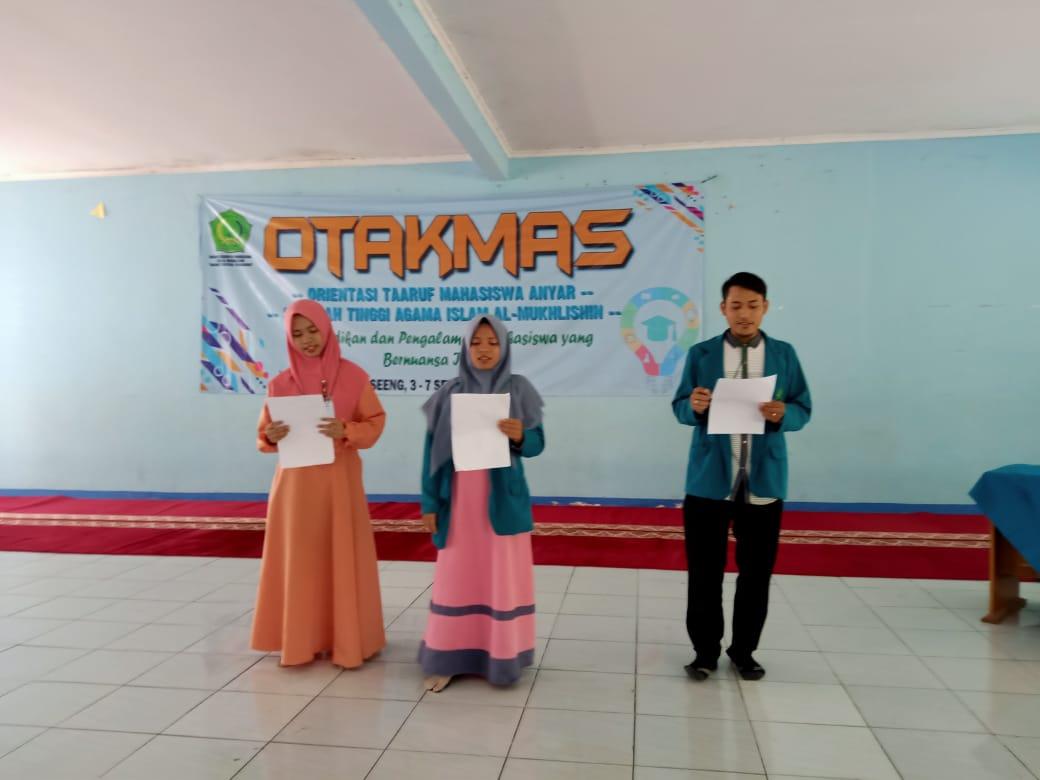 """Kegiatan """"OTAKMAS"""" STIE Al-Mukhlisin di Ciseeng, Kabupaten Bogor, Selasa (3/9/19)."""