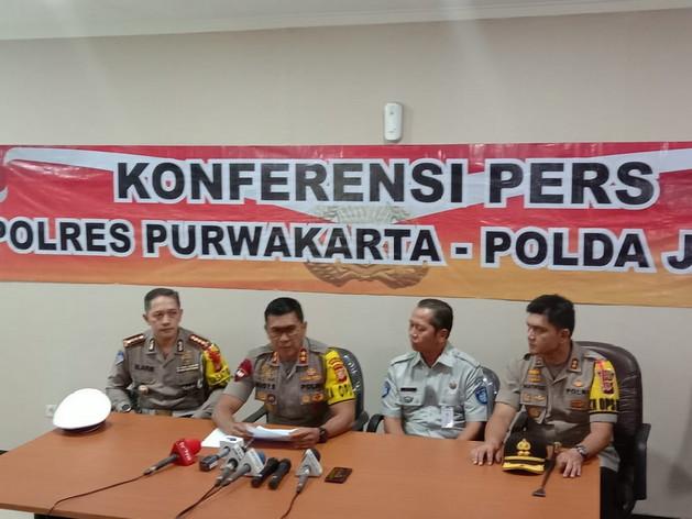 Polda Jabar dan Polres Purwakarta adakan konferensi pers terkait tabrakan beruntun tol Cipularang, di Aula RS MH Thamrin Purwakarta, Selasa(3/9/19).