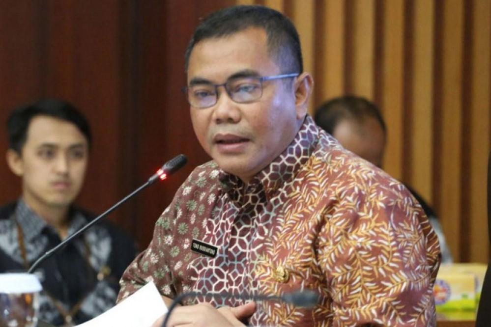 Kepala Dinsosnangkis Kota Bandung, Tono Rusdiantoro, usai memimpin Rapat Koordinasi SPM Urusan Sosial di ruang rapat Bappelitbang Kota Bandung, Kamis (24/10/19).