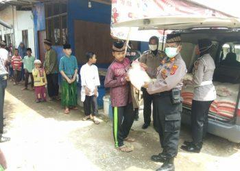 Polres Indramayu,Polda Jawabarat Bagikan Beras 1.750 Kg Dan Paket Sembako Untuk Panti Asuhan