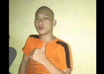 Ferdian Paleka saat di tahan di Polrestabes Bandung.