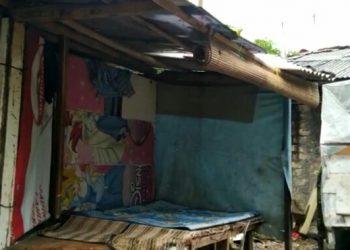 Kondisi tempat tinggal Nata di wilayah RT 03/09 Kelurahan Kedung Badak, Kecamatan Tanah Sareal Kota Bogor.