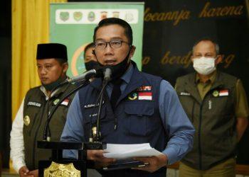 *Caption:* Ketua Gugus Tugas Percepatan Penanggulangan COVID-19 Jawa Barat (Jabar) Ridwan Kamil dalam jumpa pers usai Rapat Gugus Tugas Percepatan Penanggulangan COVID-19 Jabar di Makodam III/Siliwangi, Kota Bandung, Senin (22/6/20). (Foto: Rizal/Humas Jabar).