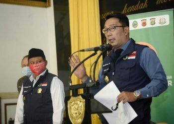 Ketua Gugus Tugas Percepatan Penanggulangan COVID-19 Jabar Ridwan Kamil melakukan konferensi pers di Markas Kodam III/Siliwangi, Kota Bandung, Senin (13/7/20). (Foto: Yogi P/Humas Jabar).