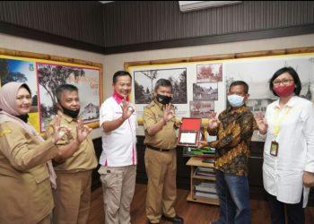 Pertamina Persero Berikan Penghargaan Pada Bupati Garut.