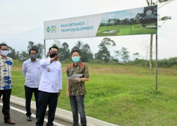 Gubernur Jabar Ridwan Kamil meninjau kawasan wisata Lido di Kecamatan Cigombong, Kabupaten Bogor, Rabu (15/7/20). Lido didorong menjadi Kawasan Ekonomi Khusus (KEK) Pariwisata pertama di Jabar. (Foto: Pipin/Humas Jabar).