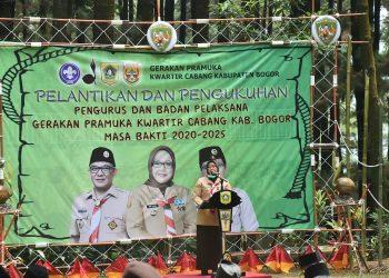 Ade Yasin (Mabicab) melantik Agus Ridhallah, SH, MH., sebagai Ketua Kwarcab Pramuka Kabupaten Bogor masa bakti 2020-2025.